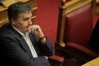 Unser Foto (© Eurokinissi) zeigt Finanzminister Efklidis Tsakalotos kurz vor der Weihnachtspause im Parlament.
