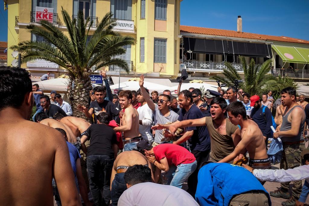 Polizei stoppt Migrantenprotest auf Lesbos