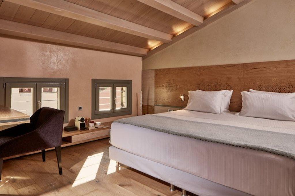 181113 Hotel2 small