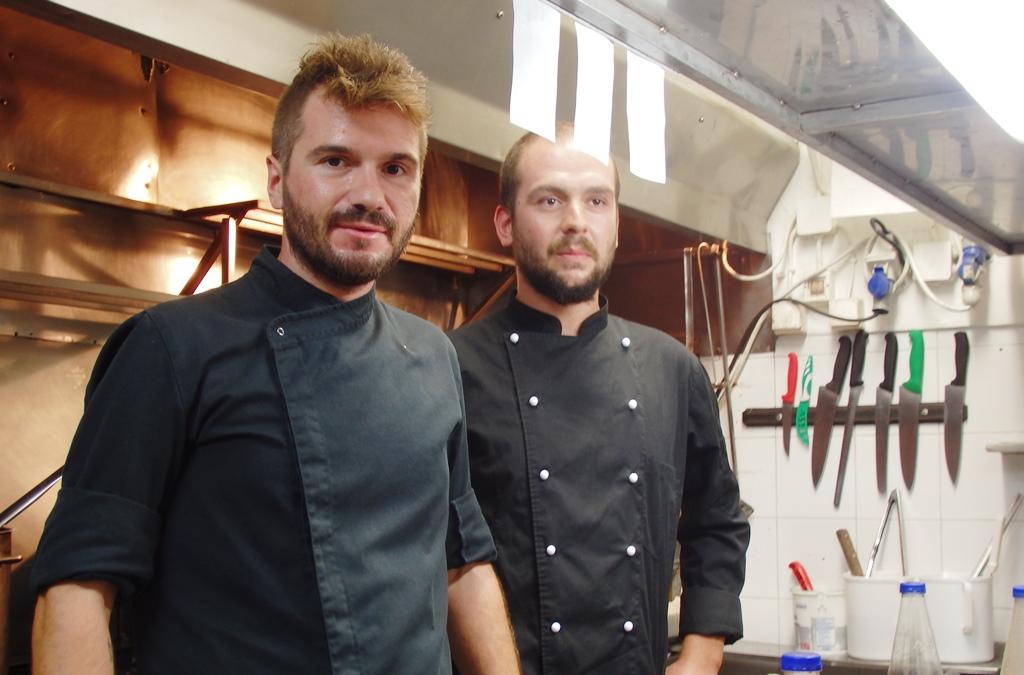 Chefs Nikos Gouplias und Jiannis Bissas small