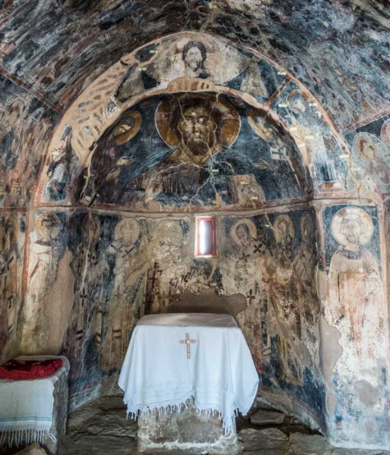 Fast 700 Jahrte alt Fresken in der Kirche von Maza small