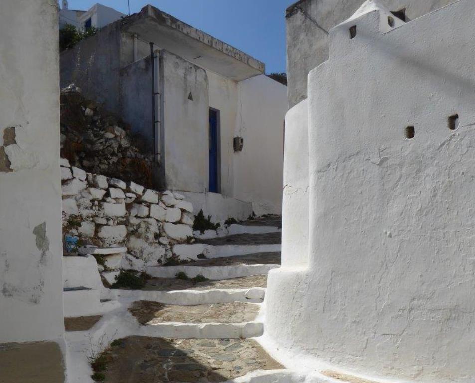 Im Dorf Panagia small