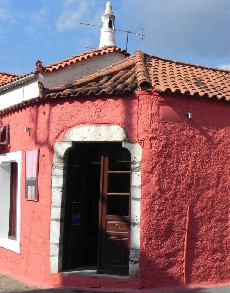 In Leonidio trifft man auf nette Häuser und HerrenhäuserSMALL