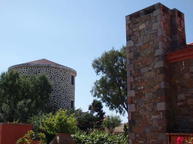 Restaurierte Kornmühlen des Varos Village Hotels SMALL