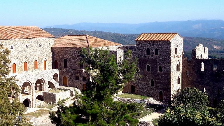 In der Ruinenstadt Mystras kann man in Geschichte eintauchenjpg