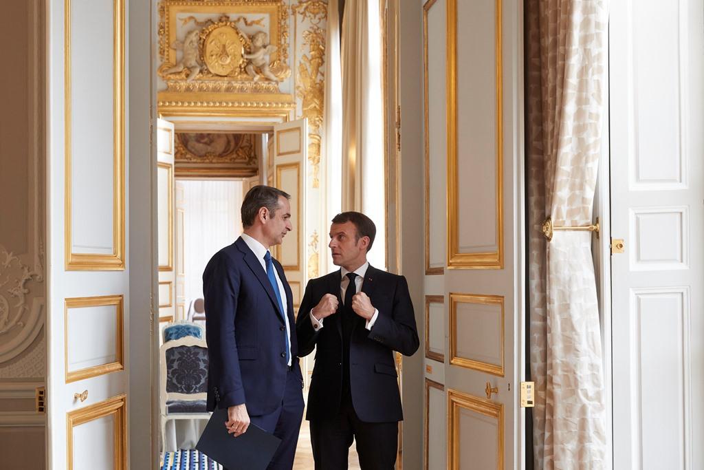 200130 Macron 4 SMALL