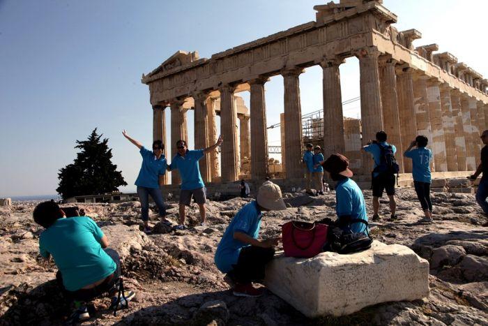 WalkAthens: Aktivisten beschildern Athen