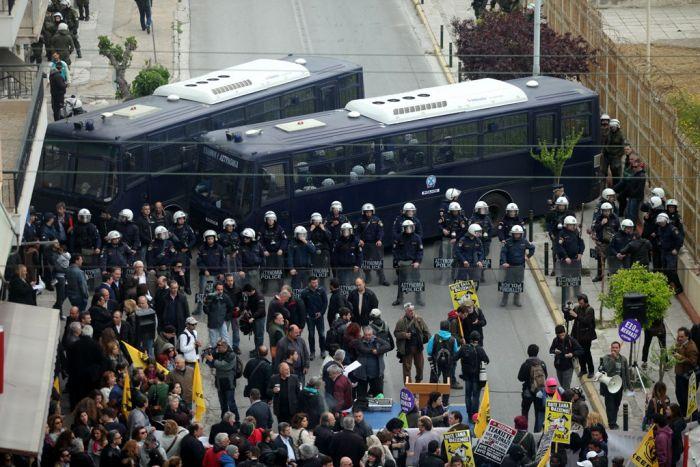 Schlechter Start für Prozess gegen die Griechenlands Neofaschisten