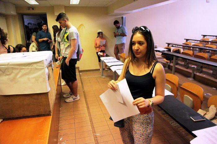 Studentenwahlen in Griechenland eskalieren mit Szenen der Gewalt