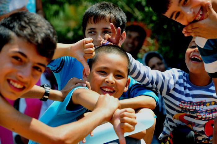 Athener Händler sammeln Spielzeuge für Flüchtlingskinder