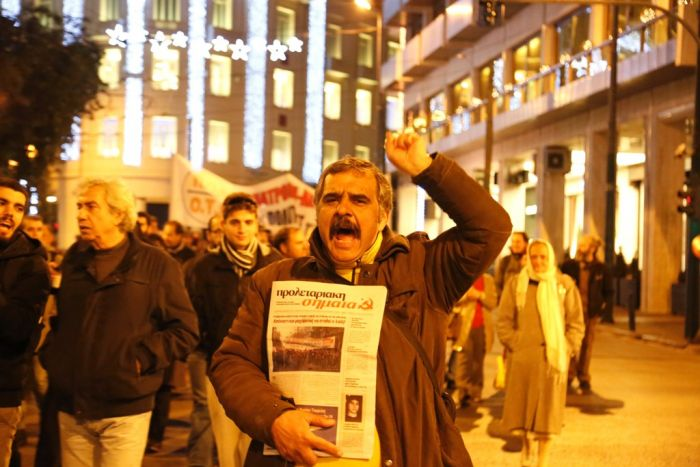 Griechisches Parlament genehmigt mit knapper Mehrheit weitere Maßnahmen