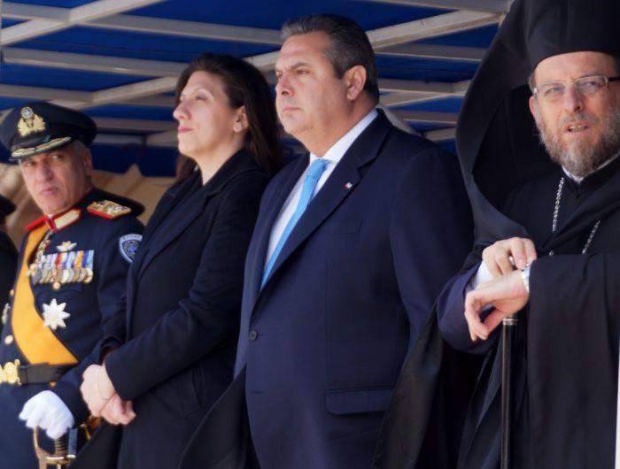 Griechenlands Verteidigungsminister droht mit illegalen Einwanderern