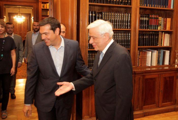 """Griechischer Premier Tsipras kündigt vorverlegte Neuwahlen an und fordert """"klaren Wählerauftrag"""""""