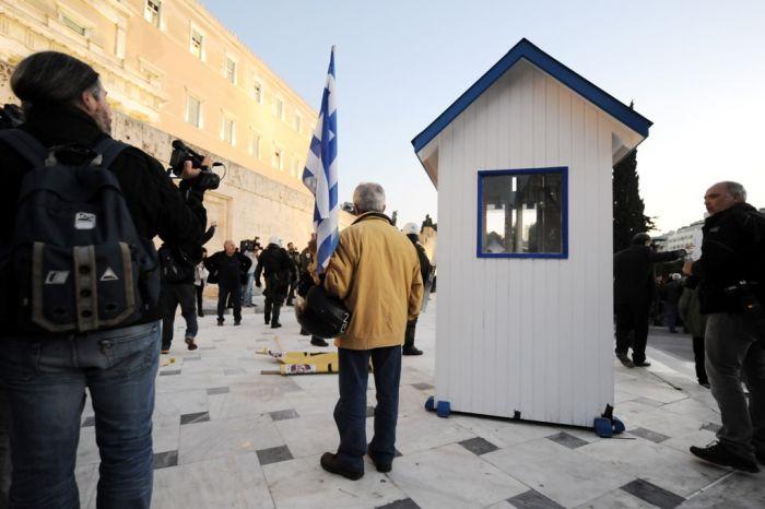 Tätlicher Angriff auf Politiker vor dem griechischen Parlament