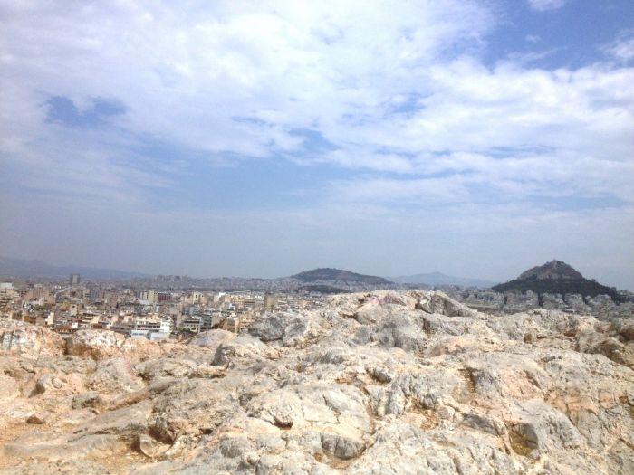 Ein Mix aus Sonne, Wolken und Schauern zieht über Hellas