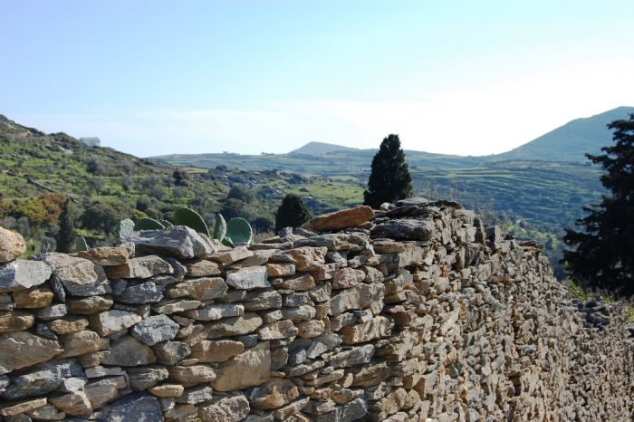 Das Wetter in Griechenland: Buntes Festland, sonnige Insellandschaft