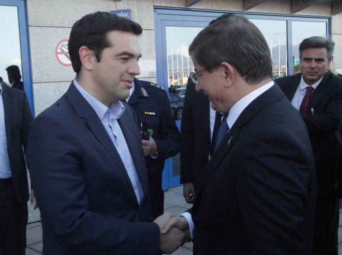 Tsipras telefoniert mit türkischem Amtskollegen und fasst Besuch ins Auge