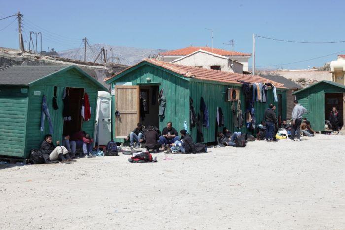 Flüchtlings- und Wirtschaftstragödie in Griechenland – Tsipras trifft Merkel