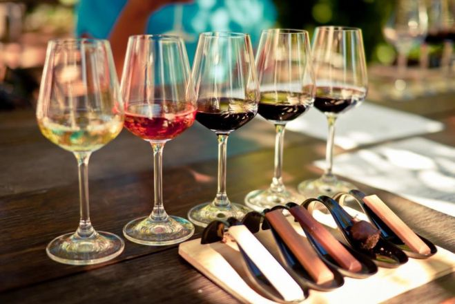 "Divino Weinbar: ""Wine and Chocolate tasting"" in Athen"