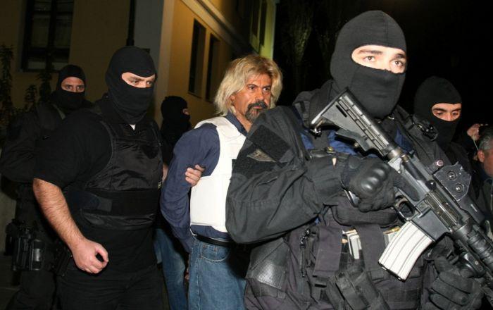 Griechenlands Terroristen von Vergünstigungen beim Strafvollzug ausgenommen