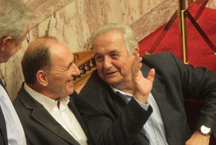 Korruptionsvorwürfe gegen zwei Minister von SYRIZA