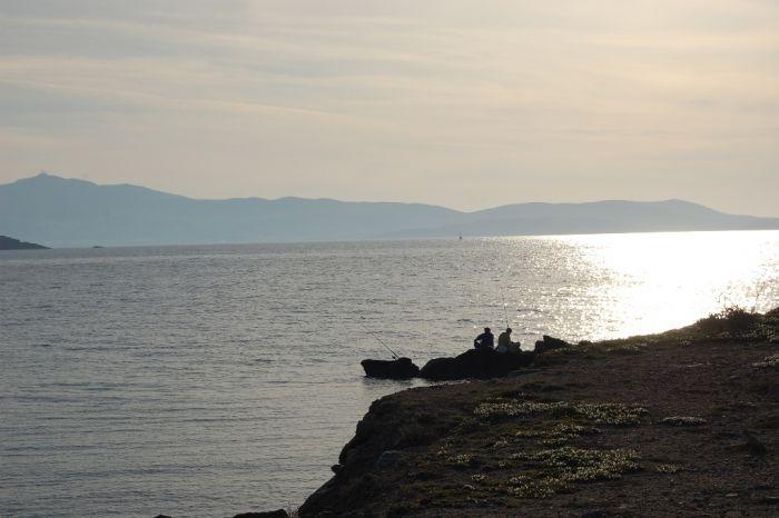 Das Wetter in Griechenland: Sonne, Wolken und Schauer im Westen