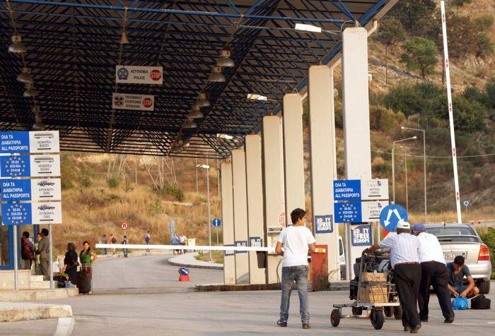 Tirana stellt griechisch-albanische Seegrenze in Frage
