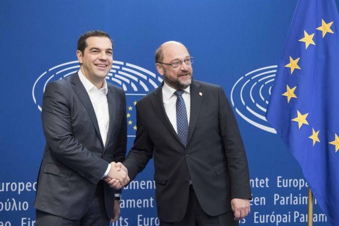 EU-Politiker Schulz informiert sich in Griechenland über Flüchtlingsproblematik