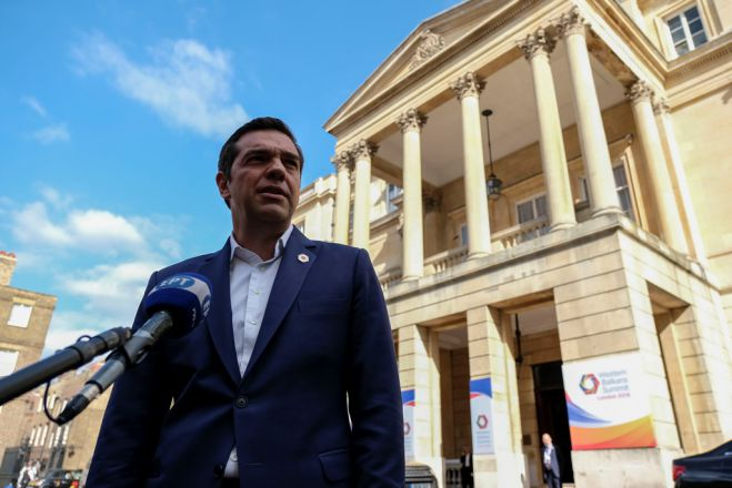 Unser Foto (© Eurokinissi) zeigt Ministerpräsident Alexis Tsipras in London