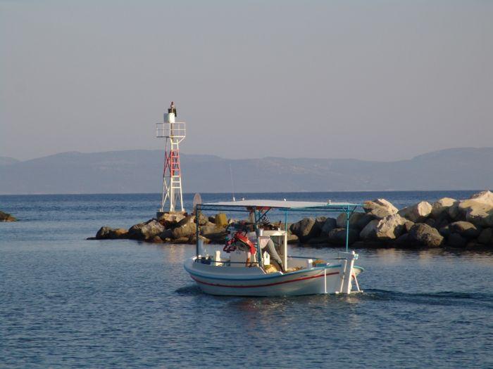 Das Wetter in Griechenland: Milde Temperaturen und stellenweise Regen