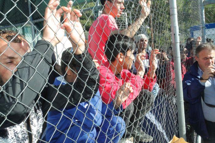 Tausende Migranten sitzen an Griechenlands Nordgrenze fest