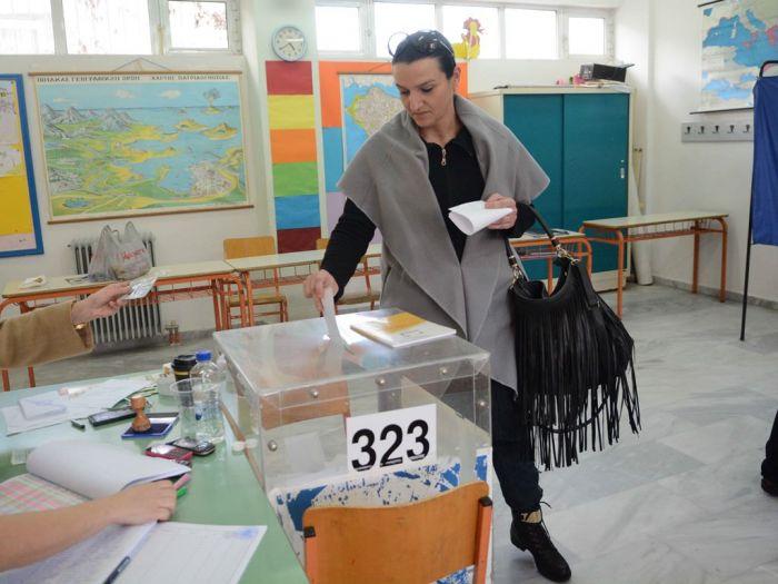 Umfrage weist regierungsfähige Mehrheit für SYRIZA aus