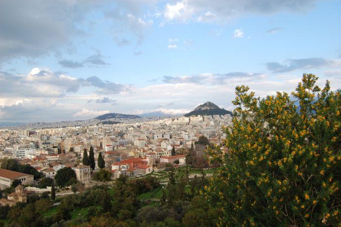 Über Griechenland machen sich Wolken breit